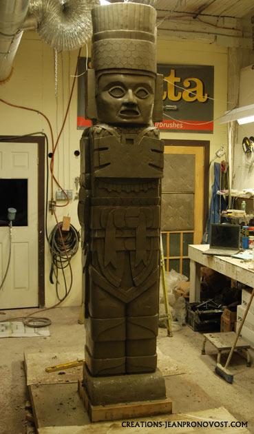 life size precolombian reproduction, maya sculpture, toltec sculpture, sculpture tolteque