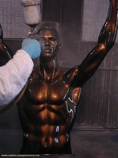 Finition au de peinture métallique réalisé au airbrush