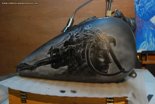 Airbrush wing bike Montreal