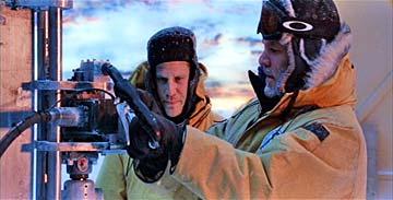Image du film avec l'accessoire réalisé par Jean Pronovost