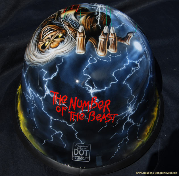 The Number of the beast - Airbrush helmet moto Montreal