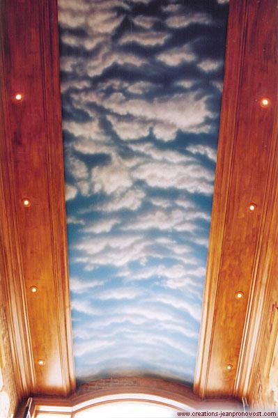 Nuages au plafond réalisé à l'aérographe (airbrush)