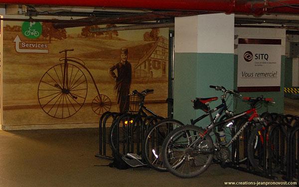Murales Charle Chaplin dans le stationnement de Loto-Québec
