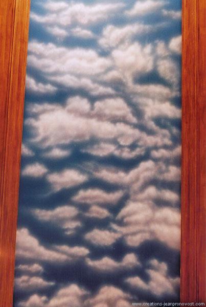 Murale d'un ciel au plafond peint au airbrush