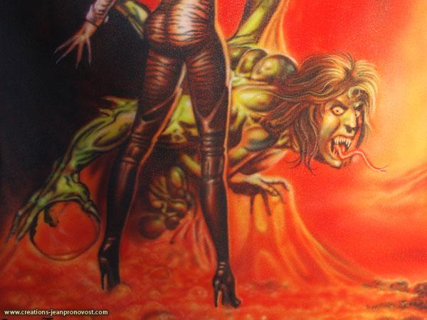 Détail de la pochette du disque Ultimate Sin d'Ozzy Osbourne   reproduite au airbrush sur un manteau de cuire