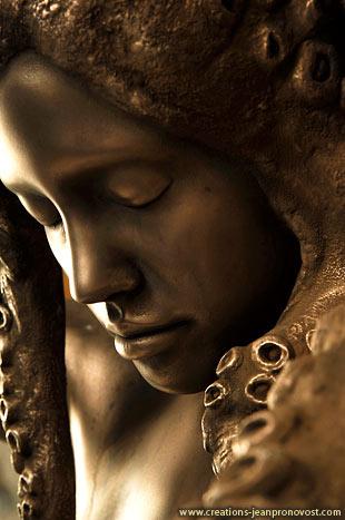 sculpture au fini de bronze réalisé à partir de moulage de modèle de vivant