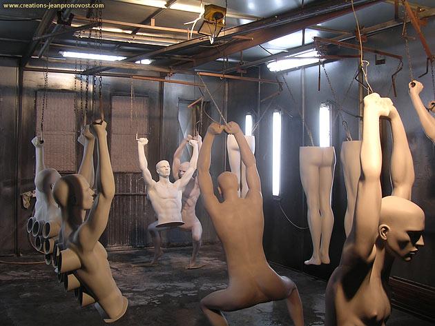 Sculptures dans la chambre de peinture