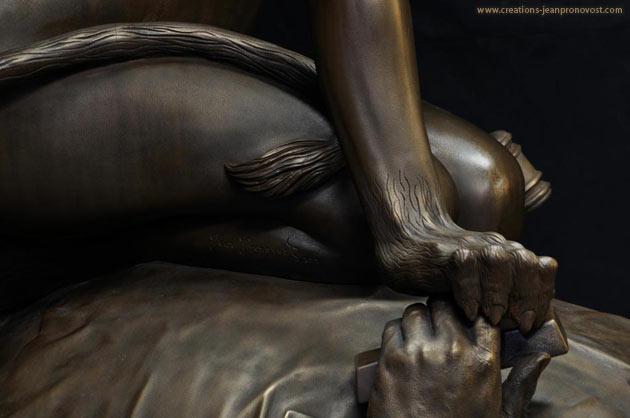 Sculpture - détail du Sphinx du sculpteur montréalais Jean Pronovost