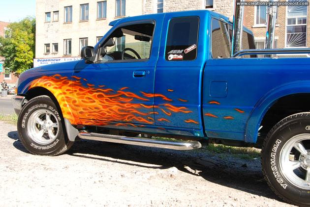 Flammes sur camion