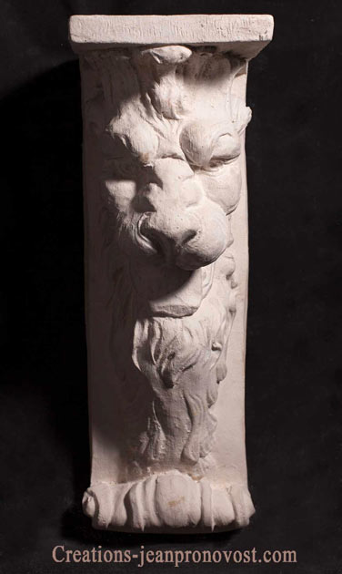 ornemented bracket with lion, sculpture lion , moulage quebec